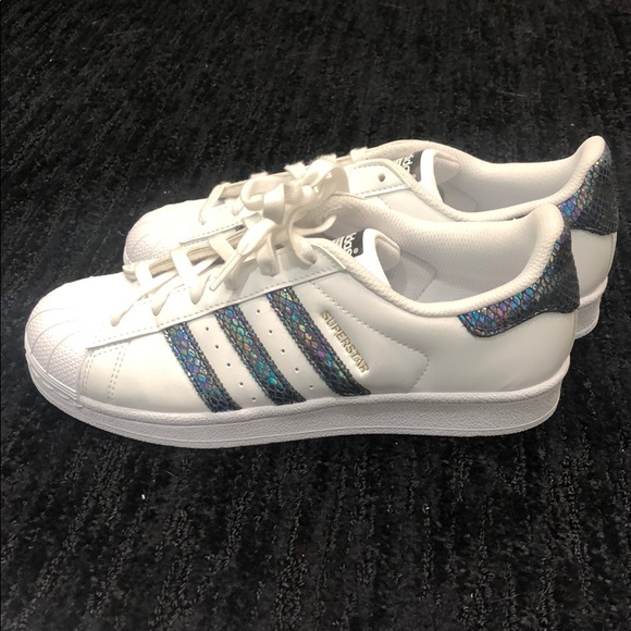 official photos 3cb86 f9b0f Limited edition Adidas superstars